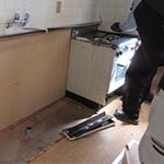 既存キッチンや内装解体撤去