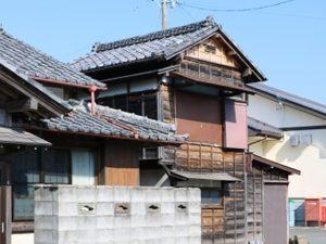 古い家だとフルリフォームしても基礎が弱い!耐震を一番に考える人には向かない