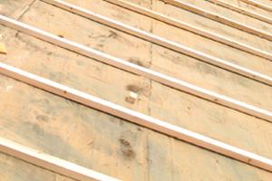 屋根の葺き替え工事を選ぶメリットデメリット