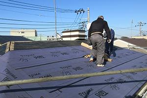 屋根をカバー工法(重ね張り)でリフォームするメリットデメリット