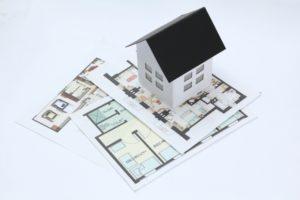 戸建て住宅と図面